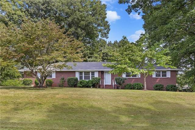 204 Englewood Circle, Starr, SC 29684 (#20243548) :: DeYoung & Company