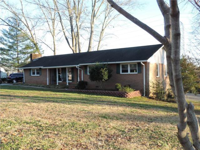 410 Fernwood Drive, Seneca, SC 29672 (MLS #20210966) :: The Powell Group