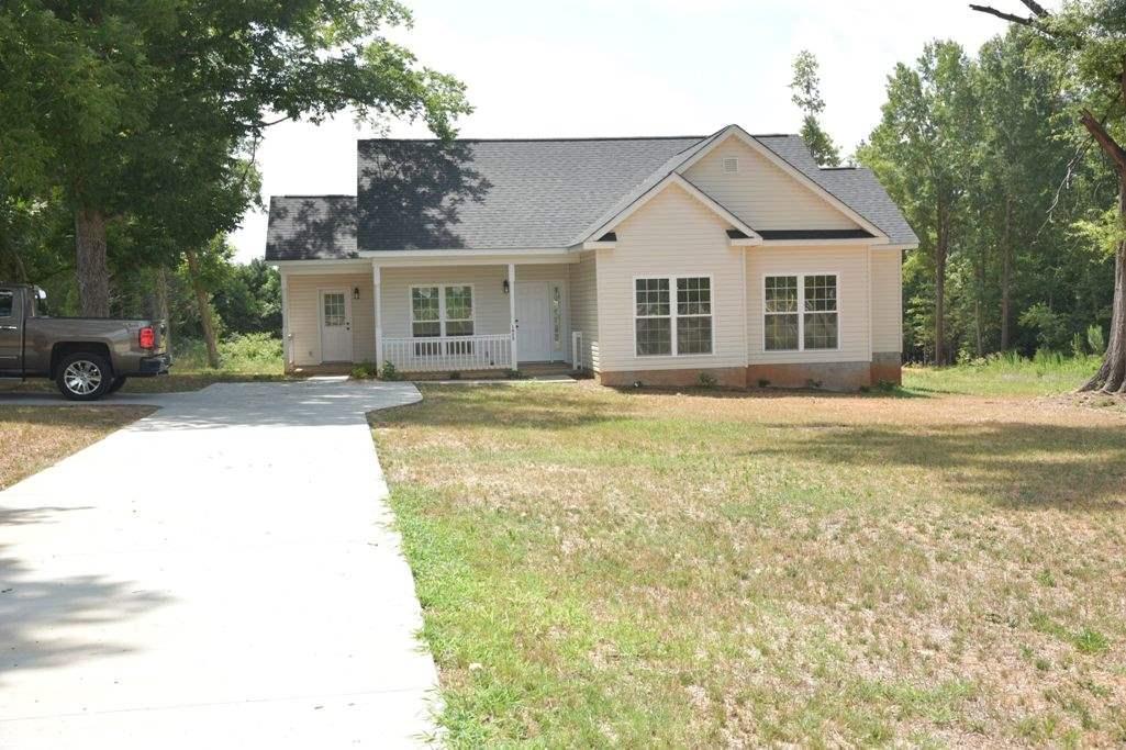 1625 Mccormick Hwy, Greenwood, SC 29646 (MLS #20178308) :: Les Walden Real Estate