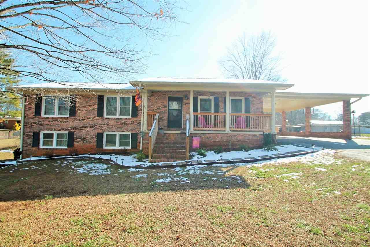 217 Kathmaette Drive, Seneca, SC 29678 (MLS #20183393) :: Les Walden Real Estate