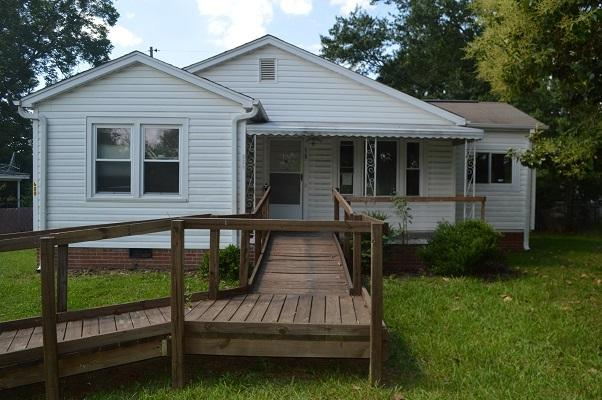 520 W Shockley Ferry Road, Anderson, SC 29626 (MLS #20190165) :: Les Walden Real Estate
