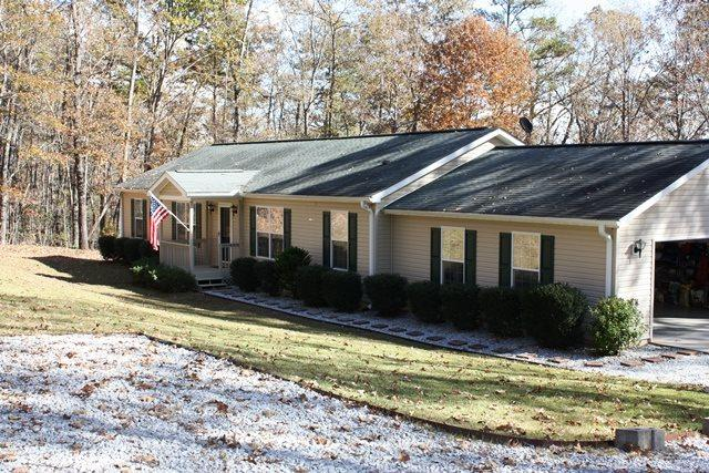 115 Wildwood Trail, Tamassee, SC 29686 (MLS #20193747) :: The Powell Group of Keller Williams