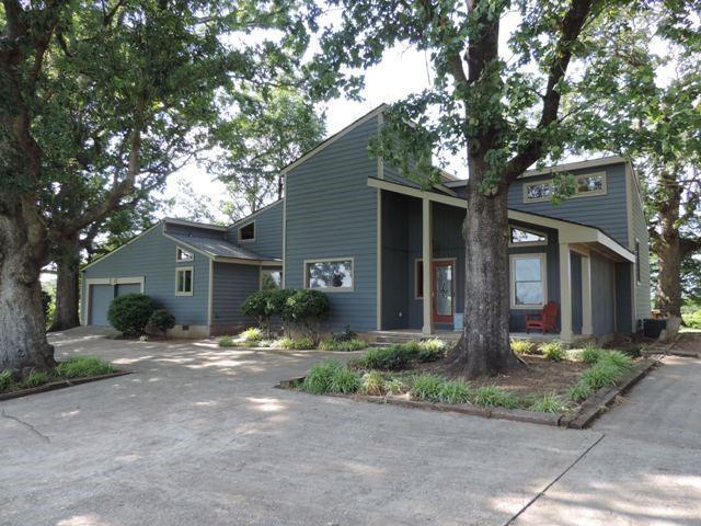 711 W Pine Grove Road, Fair Play, SC 29643 (MLS #20204076) :: The Powell Group of Keller Williams