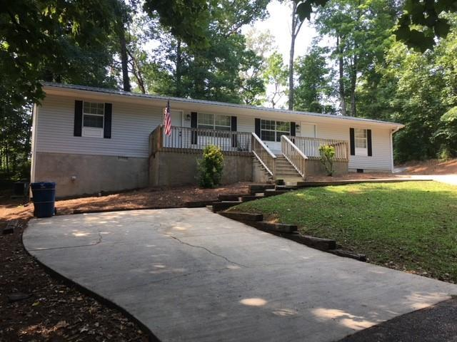 107 Sycamore Lane, Walhalla, SC 29691 (MLS #20204902) :: The Powell Group of Keller Williams