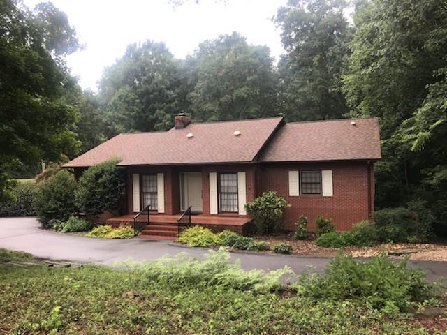 311 Hickory Lane, Seneca, SC 29678 (MLS #20205727) :: Tri-County Properties