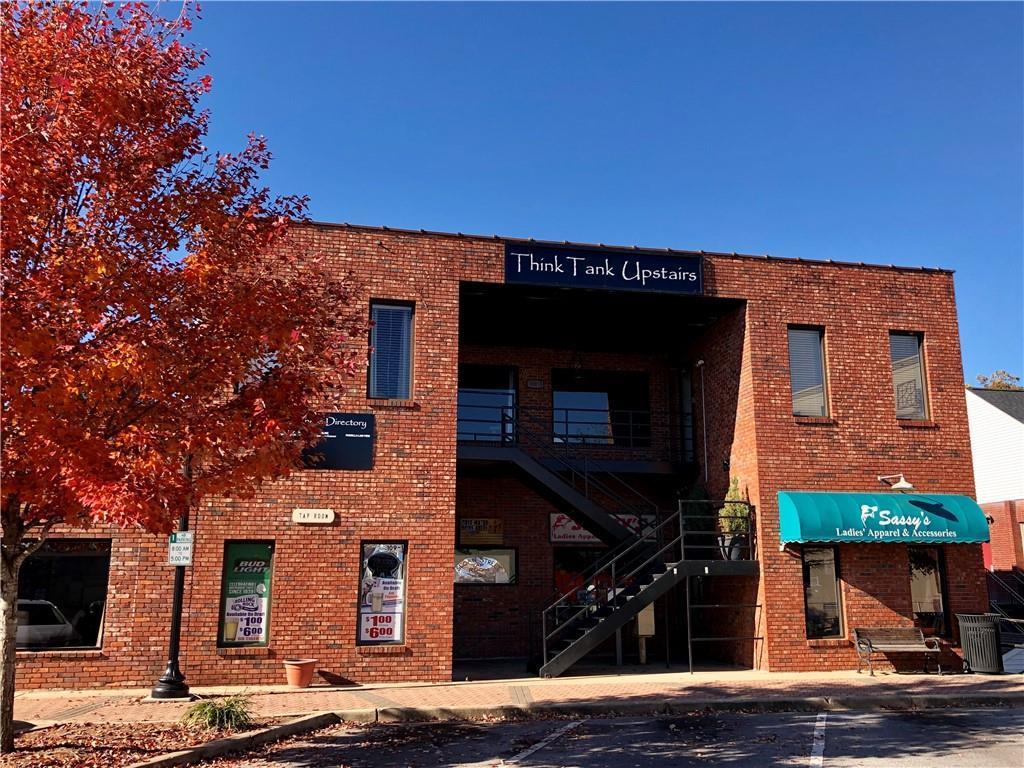 109 Sloan Street - Photo 1