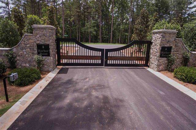 205 Harbor Point Road, Seneca, SC 29672 (MLS #20224170) :: Tri-County Properties at KW Lake Region