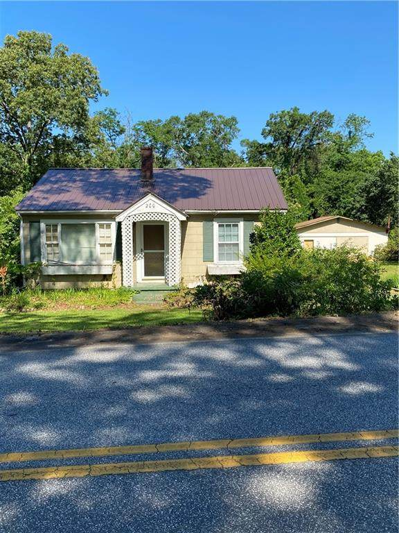 200 S Cedar Street, Walhalla, SC 29691 (MLS #20228311) :: Tri-County Properties at KW Lake Region