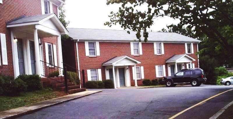 220 Calhoun Street - Photo 1