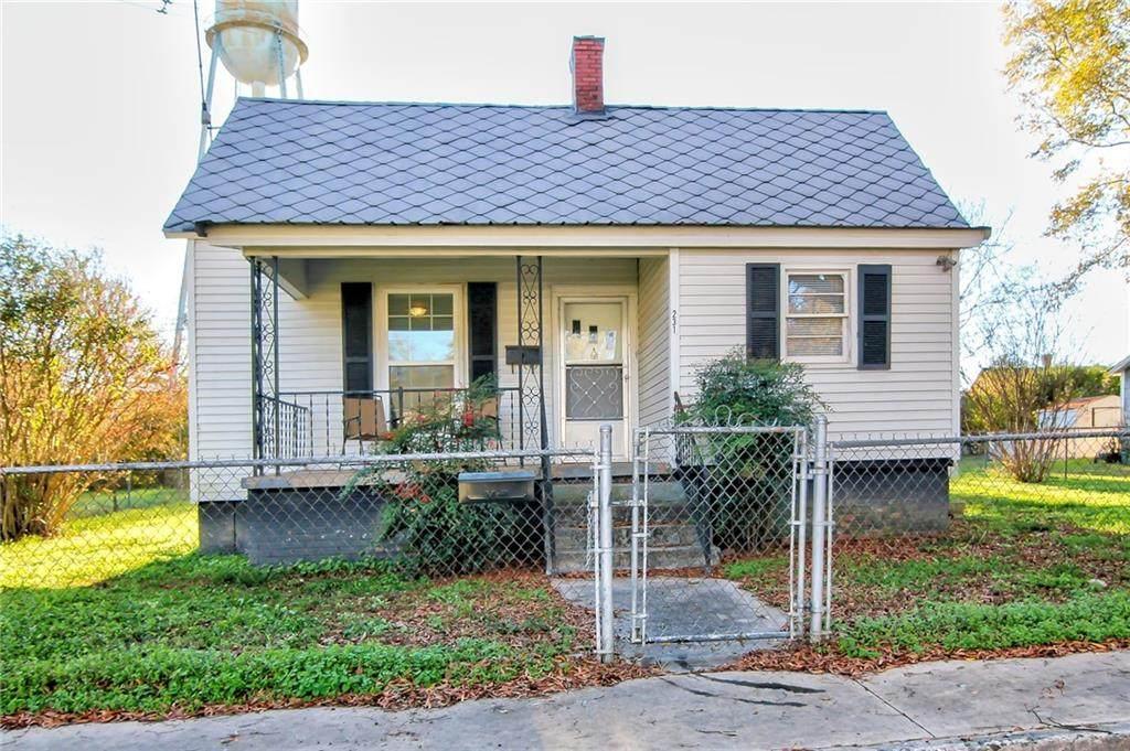 231 Oak Street - Photo 1