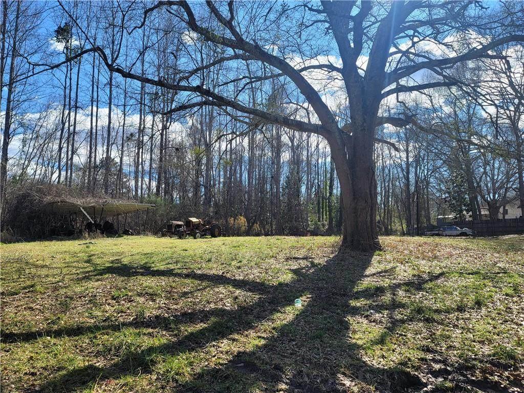 212 Oak Drive - Photo 1