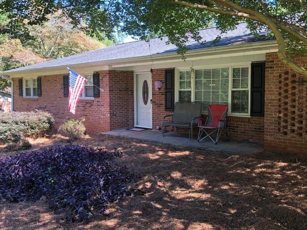 608 Springwood Drive - Photo 1