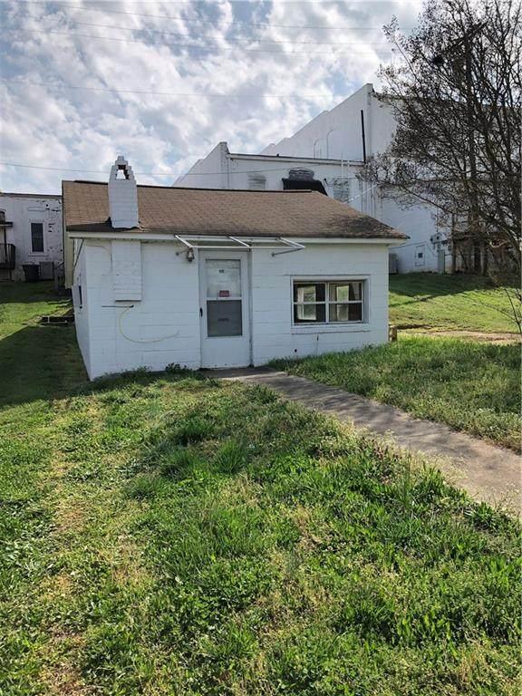 324 E North 1St. Street, Seneca, SC 29678 (#20238321) :: DeYoung & Company