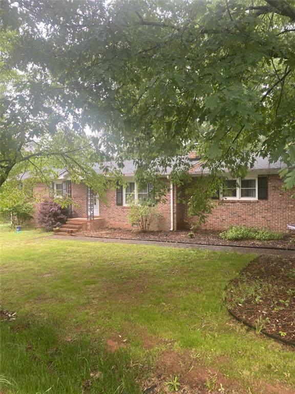 101 Hilldale Drive, Anderson, SC 29625 (#20239203) :: J. Michael Manley Team