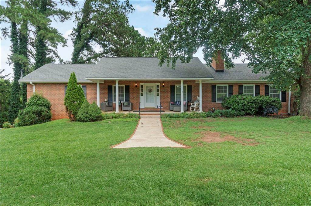 1115 Summers Drive - Photo 1
