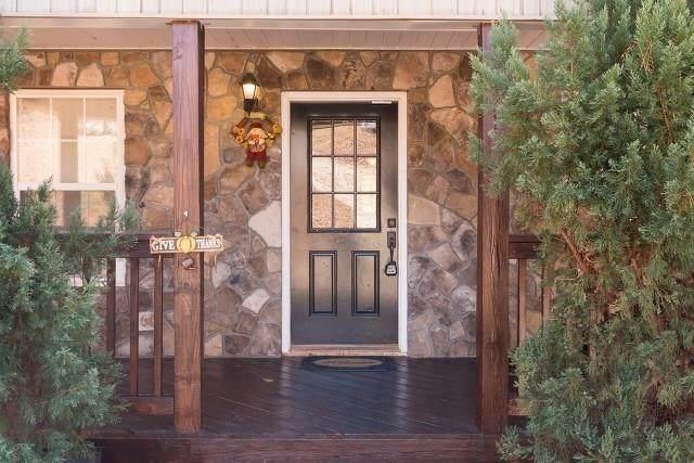131 W Waters Edge Lane, West Union, SC 29696 (MLS #20241760) :: Les Walden Real Estate