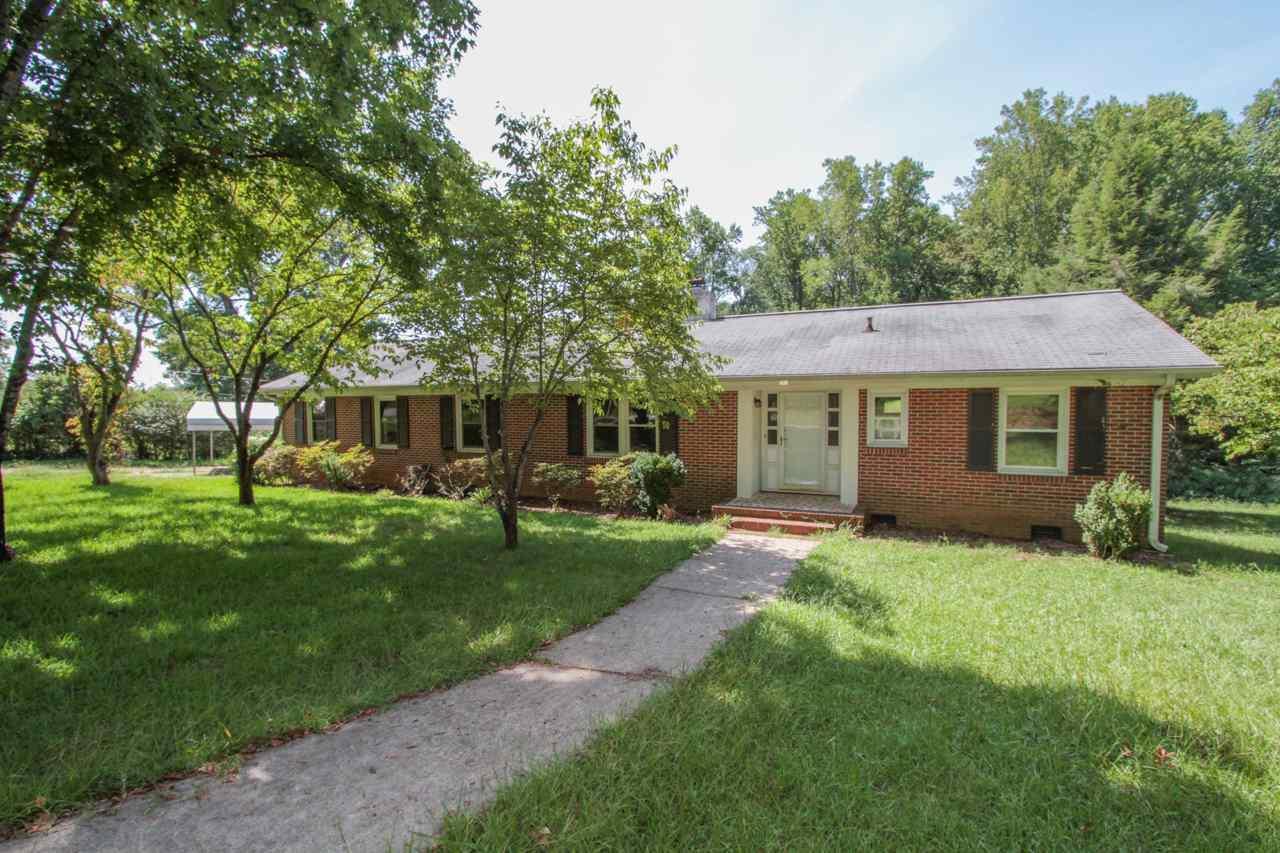 111 Coker Circle, Central, SC 29630 (MLS #20179914) :: Les Walden Real Estate