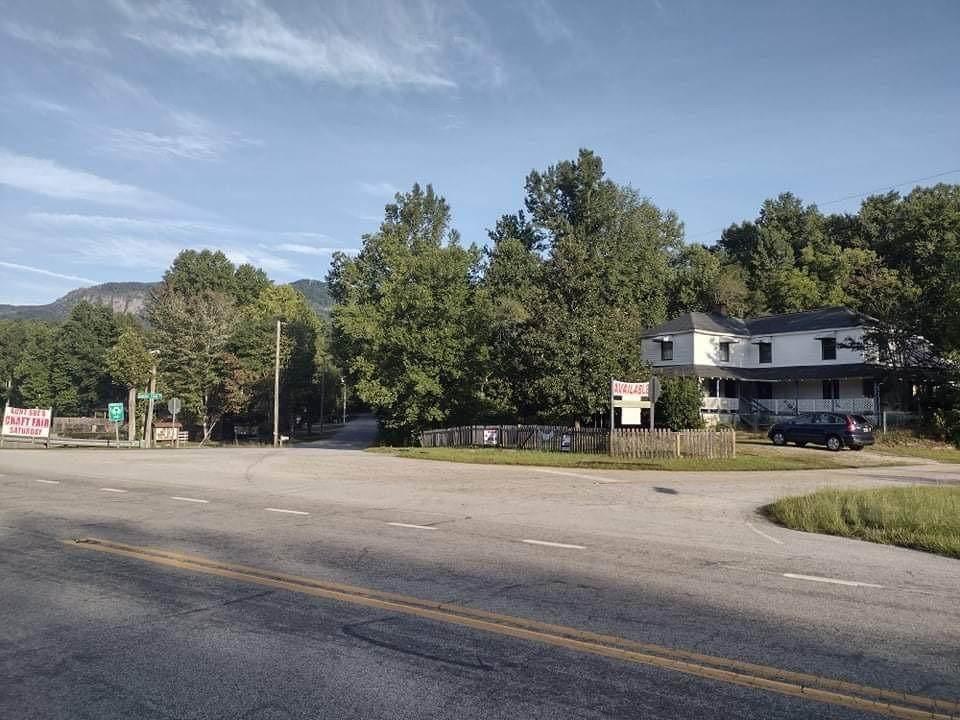 100 Country Creek Drive - Photo 1