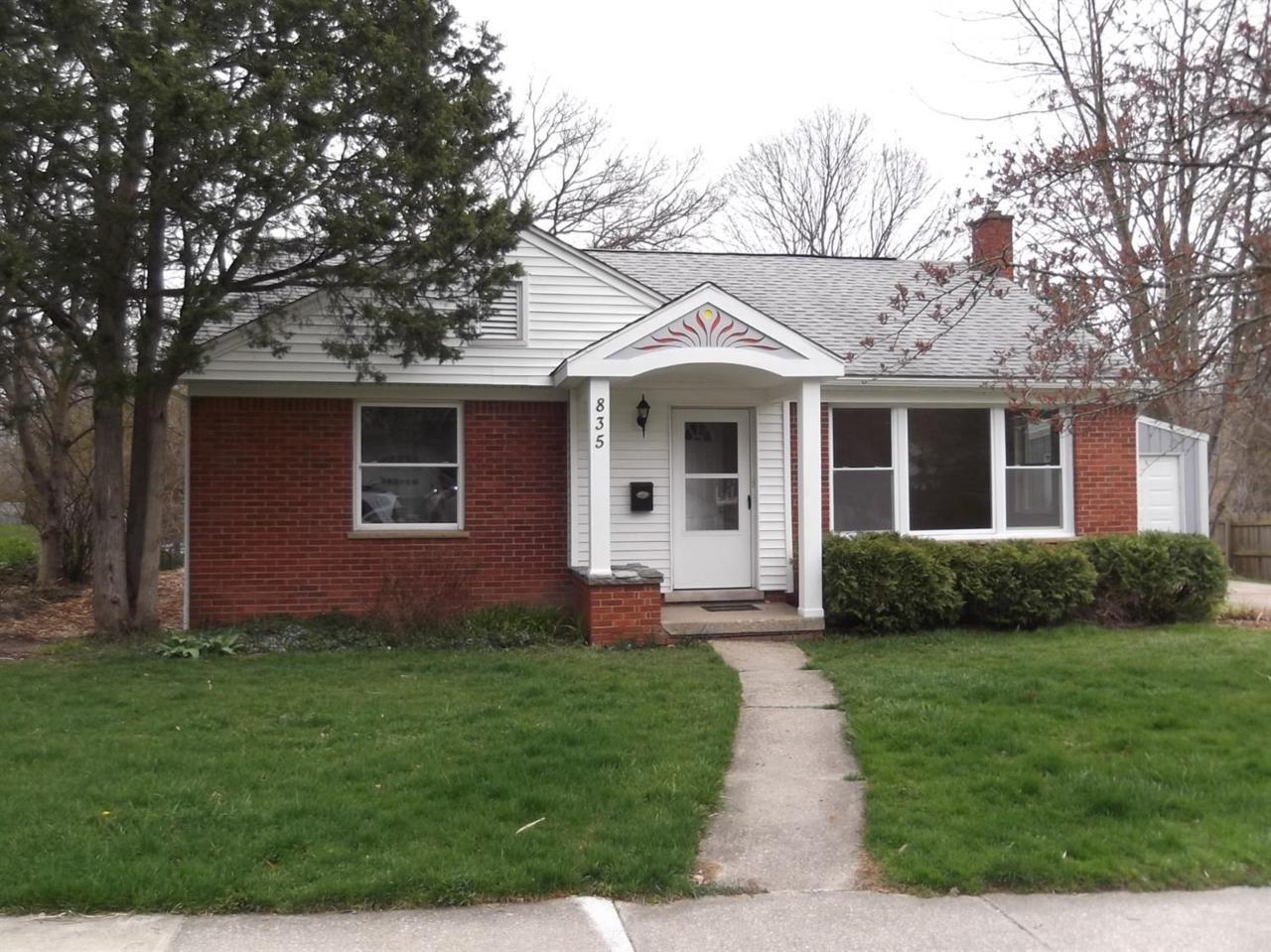 835 Redeemer Avenue, Ann Arbor, MI 48103 (MLS #3247977) :: The Toth Team