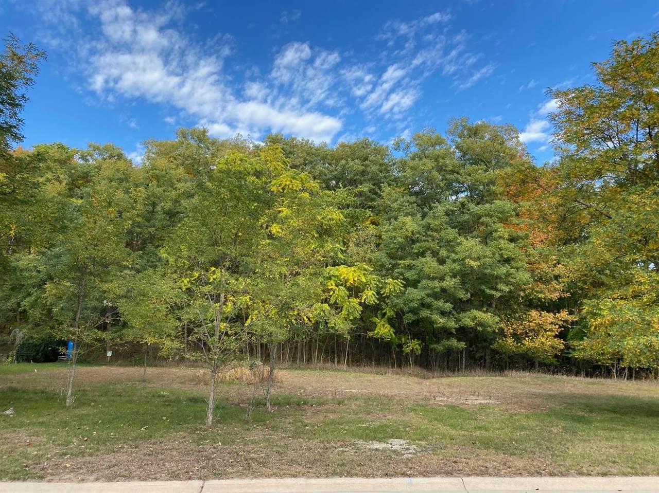 510 Emerald Glen Drive - Photo 1