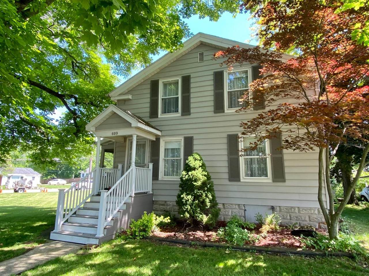 609 Middle Street - Photo 1