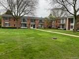 436 Fox Hills Dr Apt 1 - Photo 1