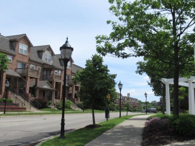 2806 Barclay Way, Ann Arbor, MI 48105 (MLS #3266320) :: Tyler Stipe Team   RE/MAX Platinum