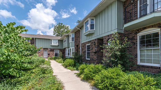 2842 Page Ave #11, Ann Arbor, MI 48104 (MLS #3267247) :: The Toth Team