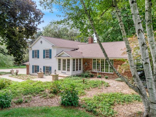 3131 Daleview Drive, Ann Arbor, MI 48105 (MLS #3268700) :: The Toth Team