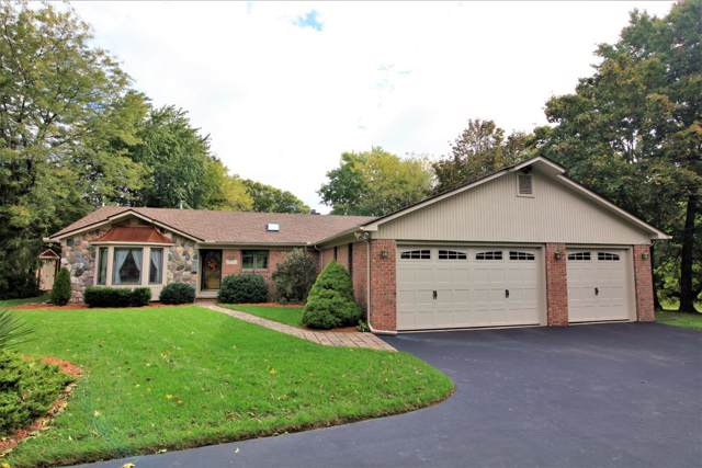 9903 York Woods Drive, Saline, MI 48176 (MLS #3269451) :: Berkshire Hathaway HomeServices Snyder & Company, Realtors®