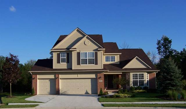 4962 White Tail Court, Commerce, MI 48382 (MLS #3271813) :: The Toth Team