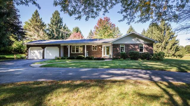 5770 Conway Road, Chelsea, MI 48118 (MLS #3276806) :: The Toth Team