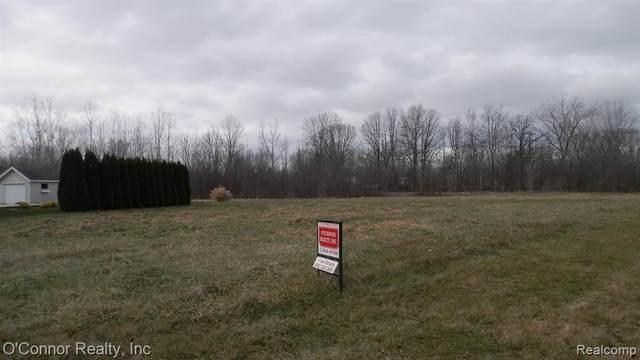 42 Liberty Avenue, Marysville, MI 48040 (MLS #R219123225) :: Berkshire Hathaway HomeServices Snyder & Company, Realtors®