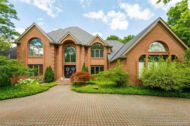 7197 Dark Lake Dr, Clarkston, MI 48346 (MLS #R2210018048) :: Berkshire Hathaway HomeServices Snyder & Company, Realtors®