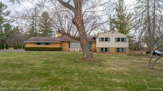 21831 Connemara Drive, Northville, MI 48167 (MLS #R2210026423) :: Berkshire Hathaway HomeServices Snyder & Company, Realtors®