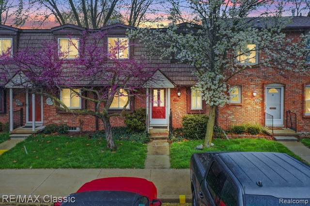 18262 Jamestowne Circle, Northville, MI 48375 (MLS #R2210029441) :: Berkshire Hathaway HomeServices Snyder & Company, Realtors®