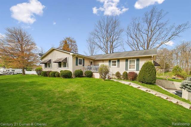 350 Peninsula Drive, Columbiaville, MI 48421 (MLS #R2210029833) :: Berkshire Hathaway HomeServices Snyder & Company, Realtors®