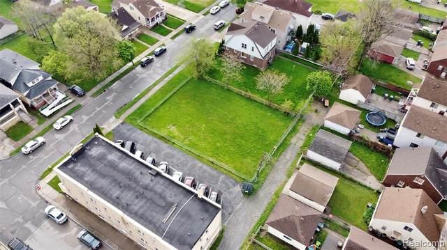 1545 Wyoming, Dearborn, MI 48120 (MLS #R2210032320) :: Berkshire Hathaway HomeServices Snyder & Company, Realtors®