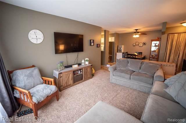 30221 Utica Rd Apt 121C, Roseville, MI 48066 (MLS #R2210032811) :: Berkshire Hathaway HomeServices Snyder & Company, Realtors®