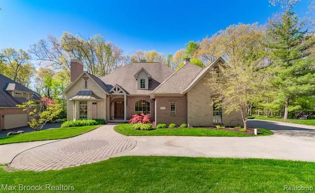 9857 Creekwood Trail, Davisburg, MI 48350 (MLS #R2210035196) :: Berkshire Hathaway HomeServices Snyder & Company, Realtors®