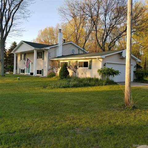 210 Michael Road, Lapeer, MI 48446 (MLS #R2210035503) :: Berkshire Hathaway HomeServices Snyder & Company, Realtors®
