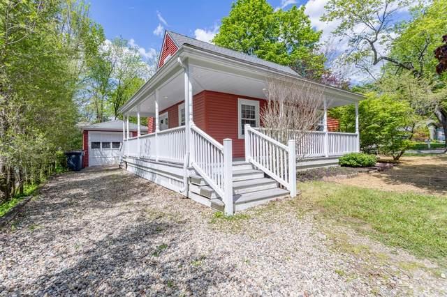 3197 Oakwood Street, Ann Arbor, MI 48104 (MLS #3280964) :: Berkshire Hathaway HomeServices Snyder & Company, Realtors®