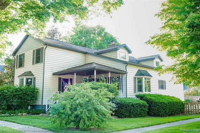 106 Law Street, Lapeer, MI 48446 (MLS #R2210042195) :: Berkshire Hathaway HomeServices Snyder & Company, Realtors®