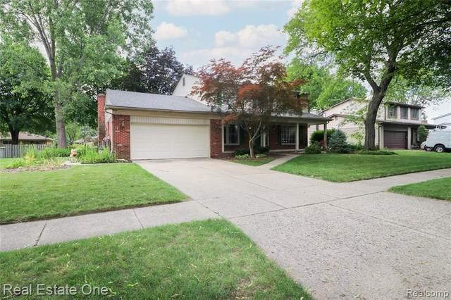 4613 Fairmont Drive, Troy, MI 48085 (MLS #R2210046454) :: Berkshire Hathaway HomeServices Snyder & Company, Realtors®
