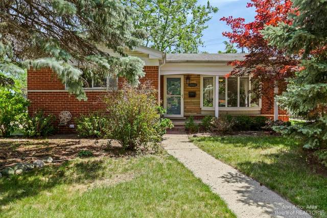 39325 Richland, Livonia, MI 48105 (MLS #3281762) :: Berkshire Hathaway HomeServices Snyder & Company, Realtors®