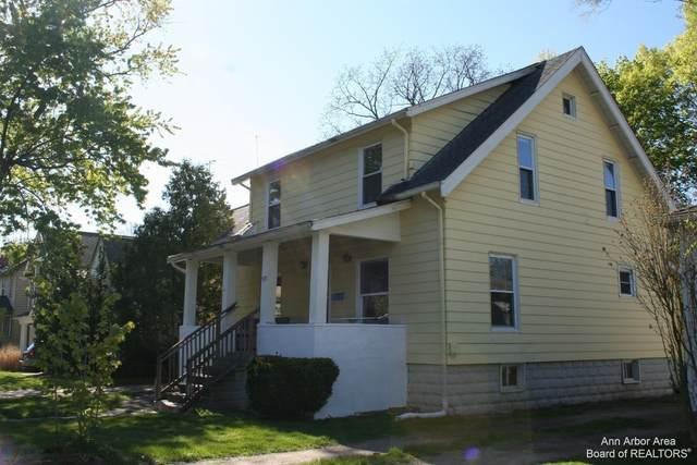 922 Woodlawn Avenue, Ann Arbor, MI 48104 (MLS #3281810) :: Berkshire Hathaway HomeServices Snyder & Company, Realtors®