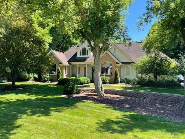 5463 River Woods Court, Dexter, MI 48130 (MLS #3281899) :: Berkshire Hathaway HomeServices Snyder & Company, Realtors®
