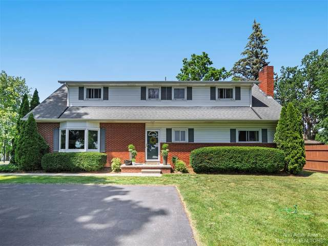 870 Austin Drive, Saline, MI 48176 (MLS #3281919) :: Berkshire Hathaway HomeServices Snyder & Company, Realtors®