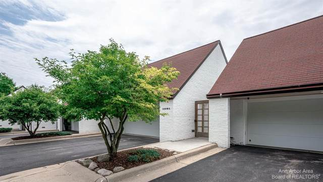 1051 Young Place, Ann Arbor, MI 48105 (MLS #3281295) :: Berkshire Hathaway HomeServices Snyder & Company, Realtors®
