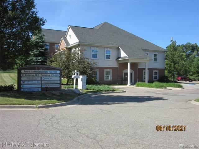 1550 N Milford Road #306, Milford, MI 48381 (MLS #R2210048096) :: Berkshire Hathaway HomeServices Snyder & Company, Realtors®
